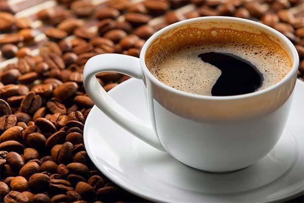 Aç Karnına Kahve İçmek Faydalı mı Zararlı mı?